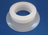 Threaded Polyethylene Spout for the Packaging Industry